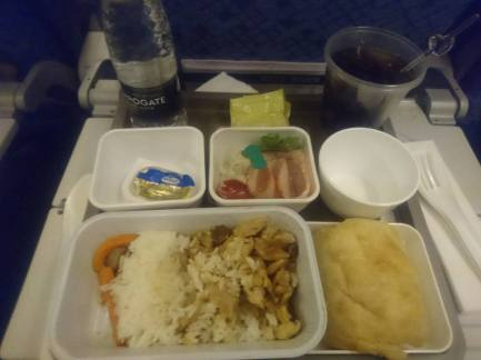 Lovely Airplane food and free drinks!